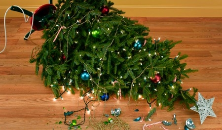 christmas tree accidents